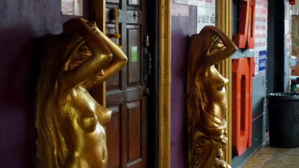 Casanova Bar - Nan Plaza - Bangkok - Blemished Paradise