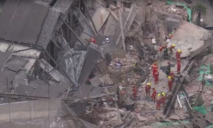 Commercial Building in Shanghai Collapses